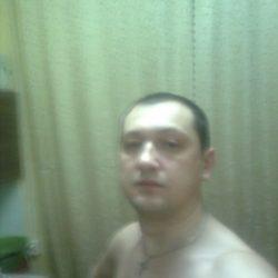 Парень из Москвы, ищу девушку для куни, люблю и умею это делать