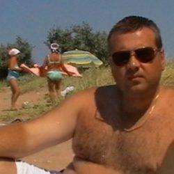 Парень, ищу верную девушку в Воронеже, которая не предаст, надоело обжигаться, есть нормальные девушки