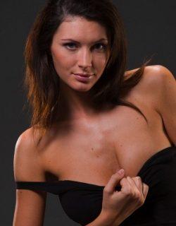 Девушка ищет страстный секс с выносливыми мужчинами в Воронеже